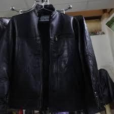 Khử mùi áo da bằng cách nào để áo luôn như mới