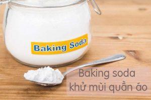 tay-moc-quan-ao-baking soda