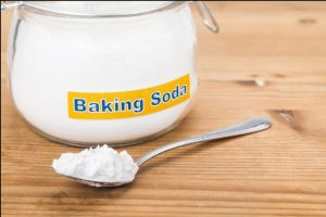 tay-o-vang-bang-baking soda